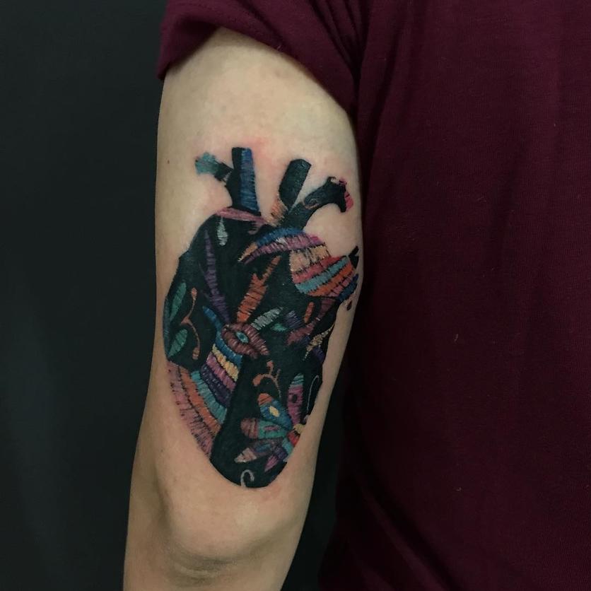 15 ideas de tatuajes de bordados huicholes y otomíes 12