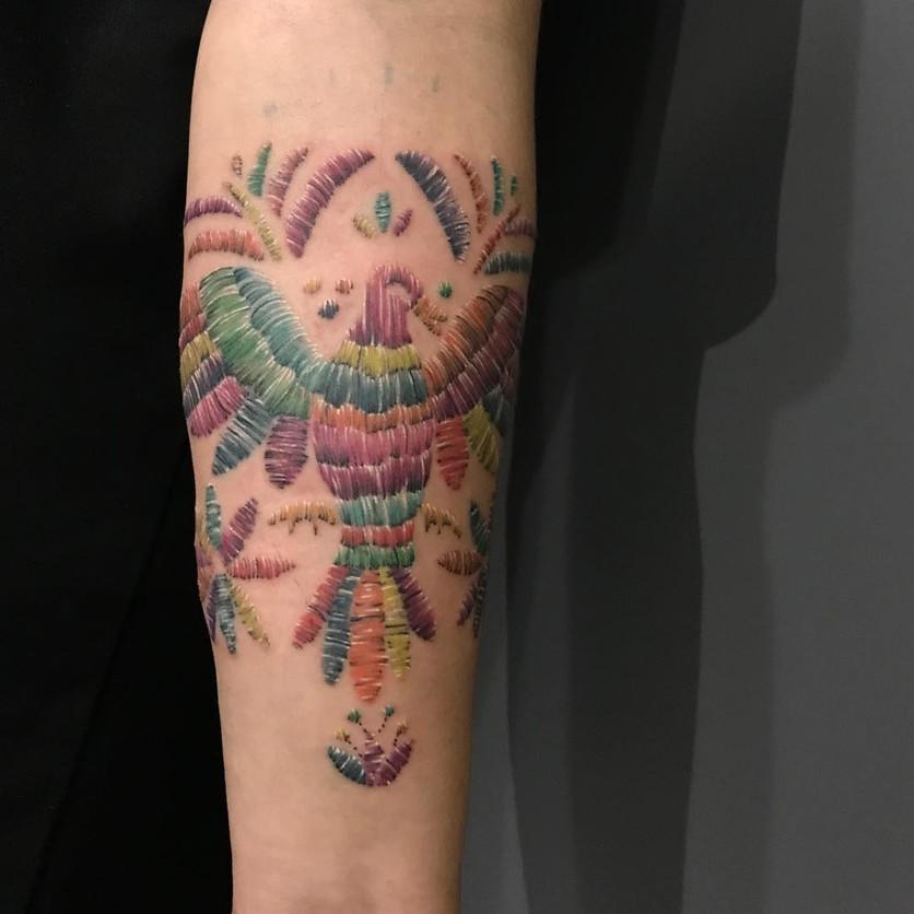 15 ideas de tatuajes de bordados huicholes y otomíes 15