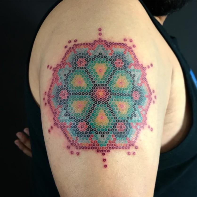 15 ideas de tatuajes de bordados huicholes y otomíes 2