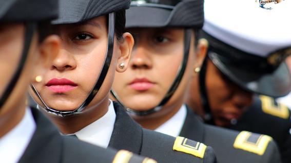 Resultado de imagen para Adriana, la mexicana que estudiará medicina aeroespacial en Inglaterra