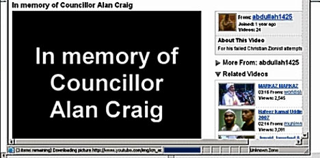 il necrologio in filmato contro Alan Craig