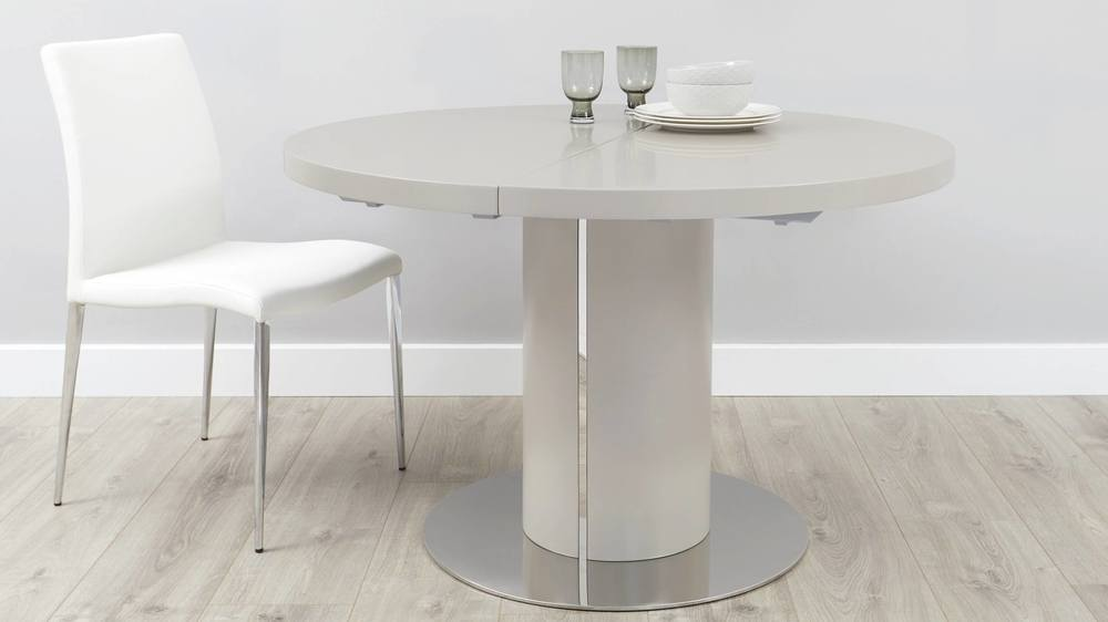 Curva Matt Grey Round Extendable Dining Table And Theo Chairs Set Danetti