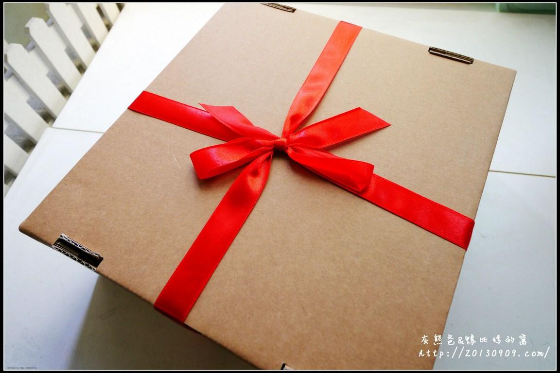 生日蛋糕│宅配【MooQ杯子蛋糕│翻糖蛋糕│結婚蛋糕】訂製妞妞四歲生日蛋糕