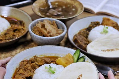 【台中x食記】小陳故事多。馬來西亞風特色咖哩附奶油烤餅。近科博館。營業至凌晨12點宵夜場。