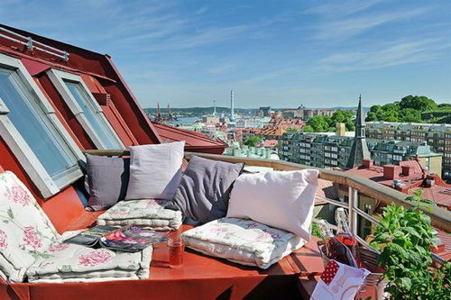 Rooftop Apartment Design Great Arrangement and Cheerful Color  Design Swan
