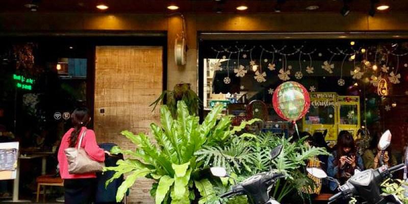 「台中龍井區」東海商圈人氣美食「蘑菇pasta」必吃舒芙蕾~店內好吃也好拍!
