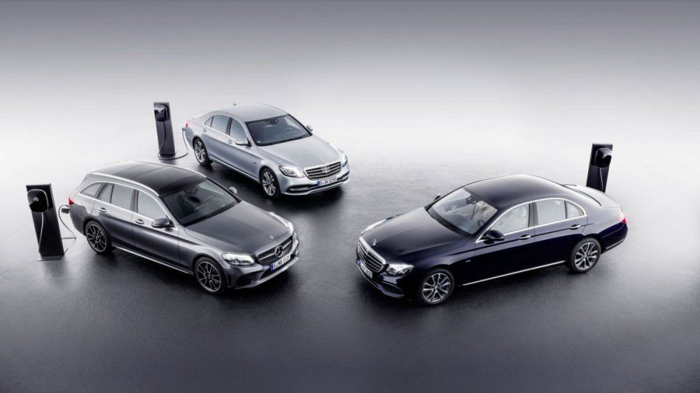 medium resolution of 2018 mercedes benz c class and e class plug in diesel hybrids show up at geneva