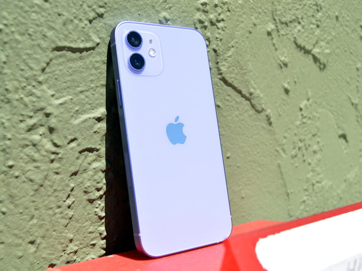 hands on with purple iphone 12 1