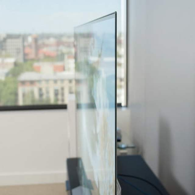 LG C1 OLED 4K TV side view