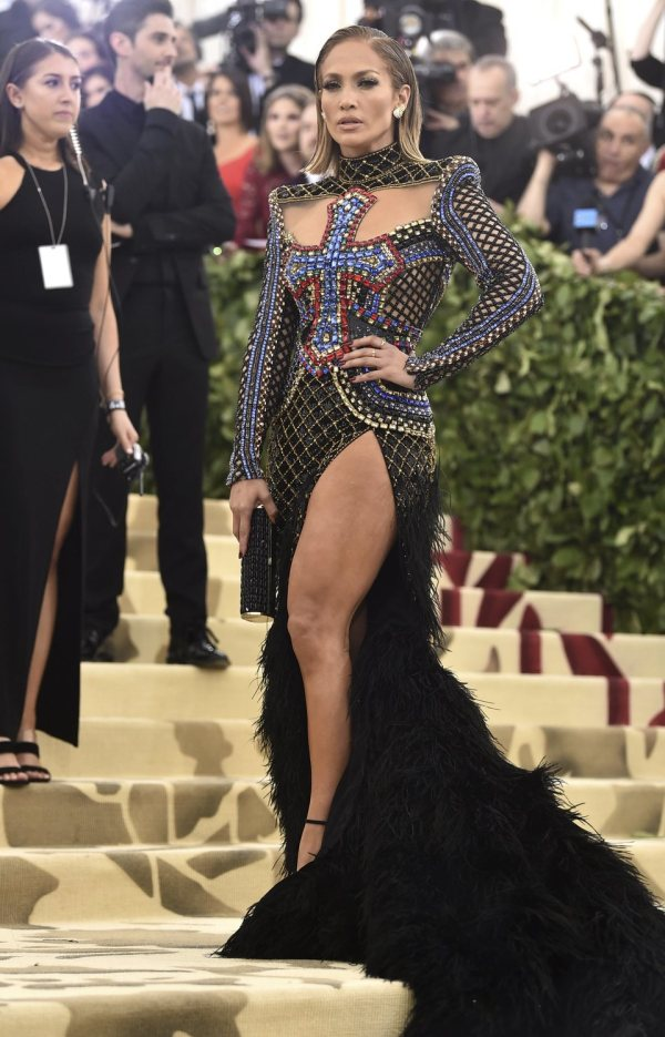 ba57343b 2018 Jennifer Lopez At Met Gala - Year of Clean Water