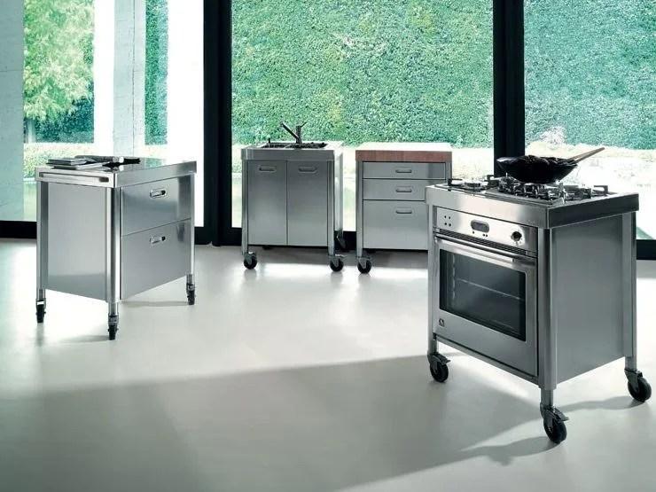 Modulo cucina freestanding in acciaio inox COMPOSIZIONE