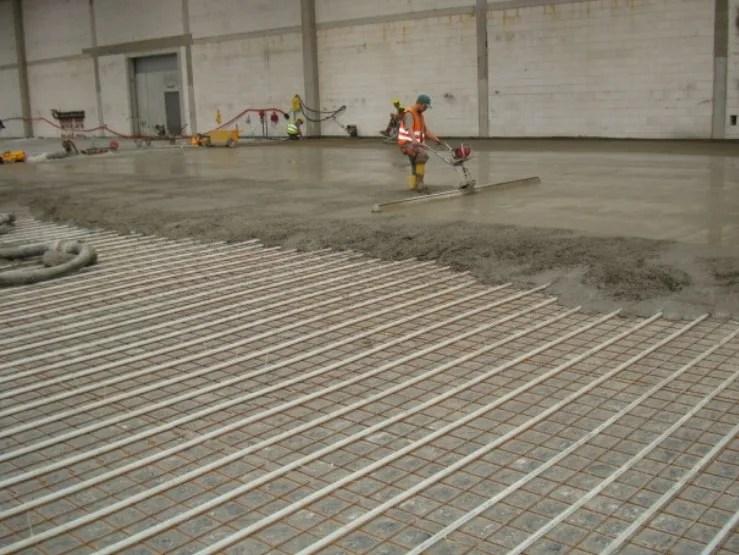 Steel reinforcing fibres DRAMIX for industrial floor By