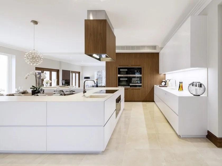 T45 EVO Kitchen with island by TM Italia Cucine
