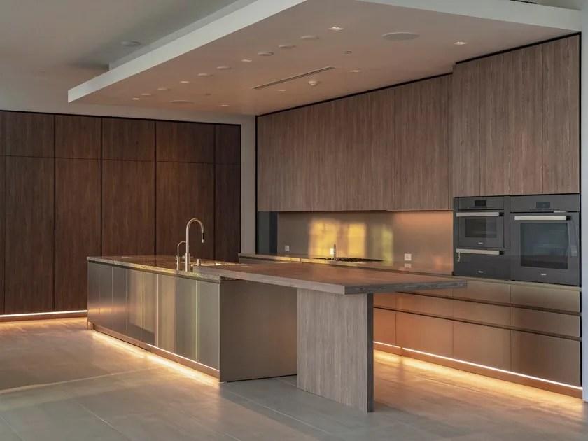 Non esiste ovviamente un modello di cucina lineare, perché ognuno può essere. T45 Cucina Con Isola Collezione T45 By Tm Italia Cucine