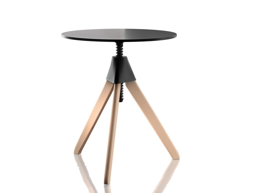 Table Basse Reglable En Hauteur Ronde Topsy The Wild Bunch By Magis Design Konstantin Grcic