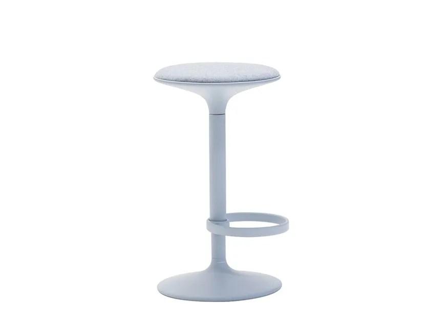 Swivel Aluminium Stool With Footrest Hula Bq2796 Hula Collection By Andreu World Design Benjamin Hubert