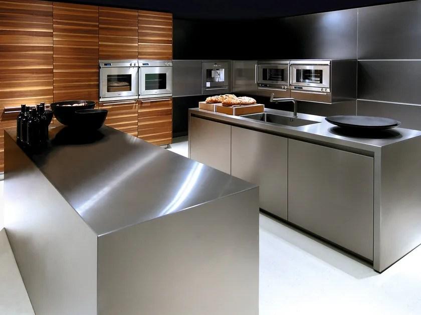 Cucina in acciaio inox con isola B3  Cucina in acciaio