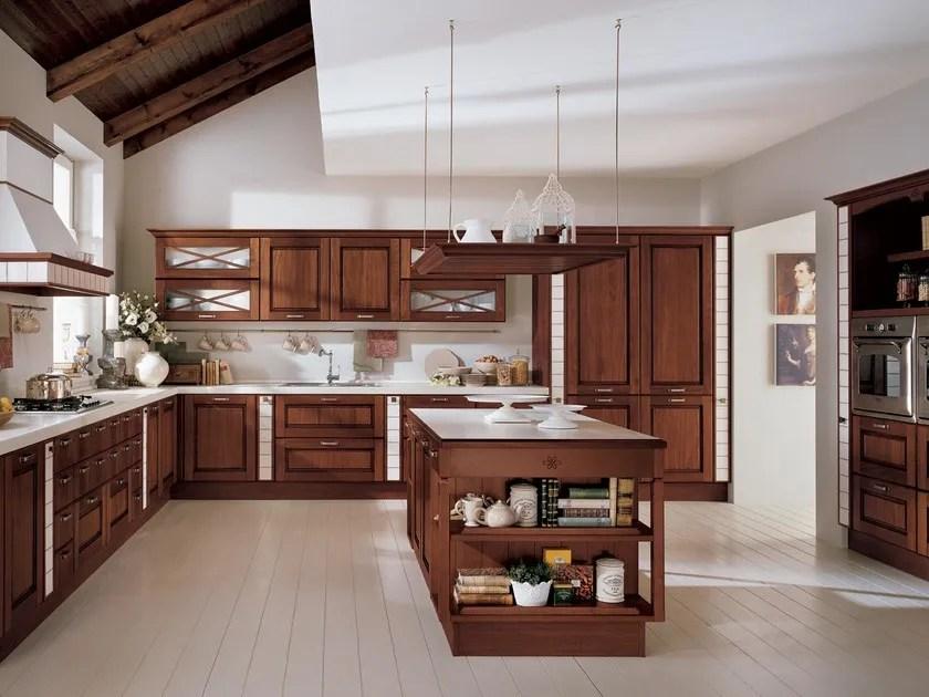 Cucina in legno massello con isola AGNESE  Cucina con