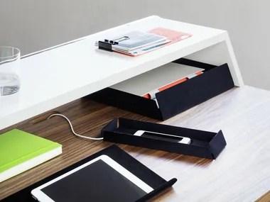 Dotato di due ante e di un cassetto, è ideale per sistemare tutti i tuoi oggetti. Accessori Da Scrivania Complementi D Arredo Per Ufficio Archiproducts