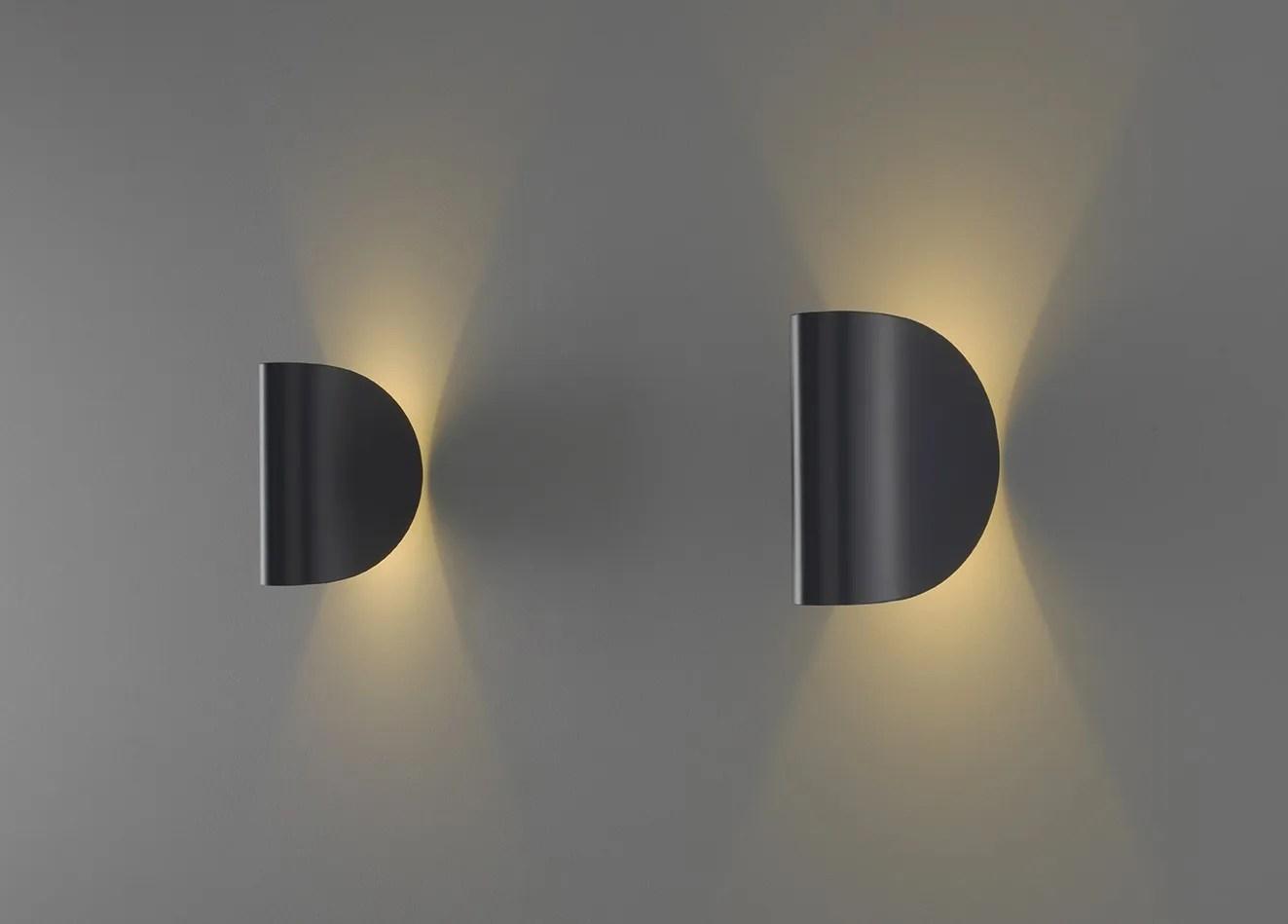 Applique a LED IO By FontanaArte design Claesson Koivisto Rune