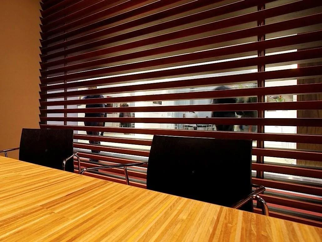 Divisorio in legno ACANTIA by MENOTTI SPECCHIA PROJECT design Luca Scacchetti