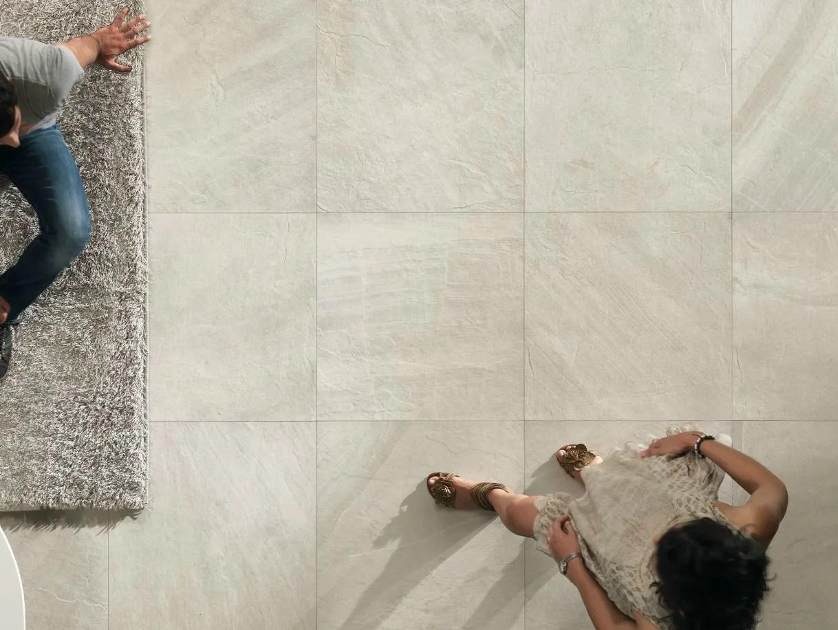 Piastrelle effetto pietra bianca  Boiserie in ceramica