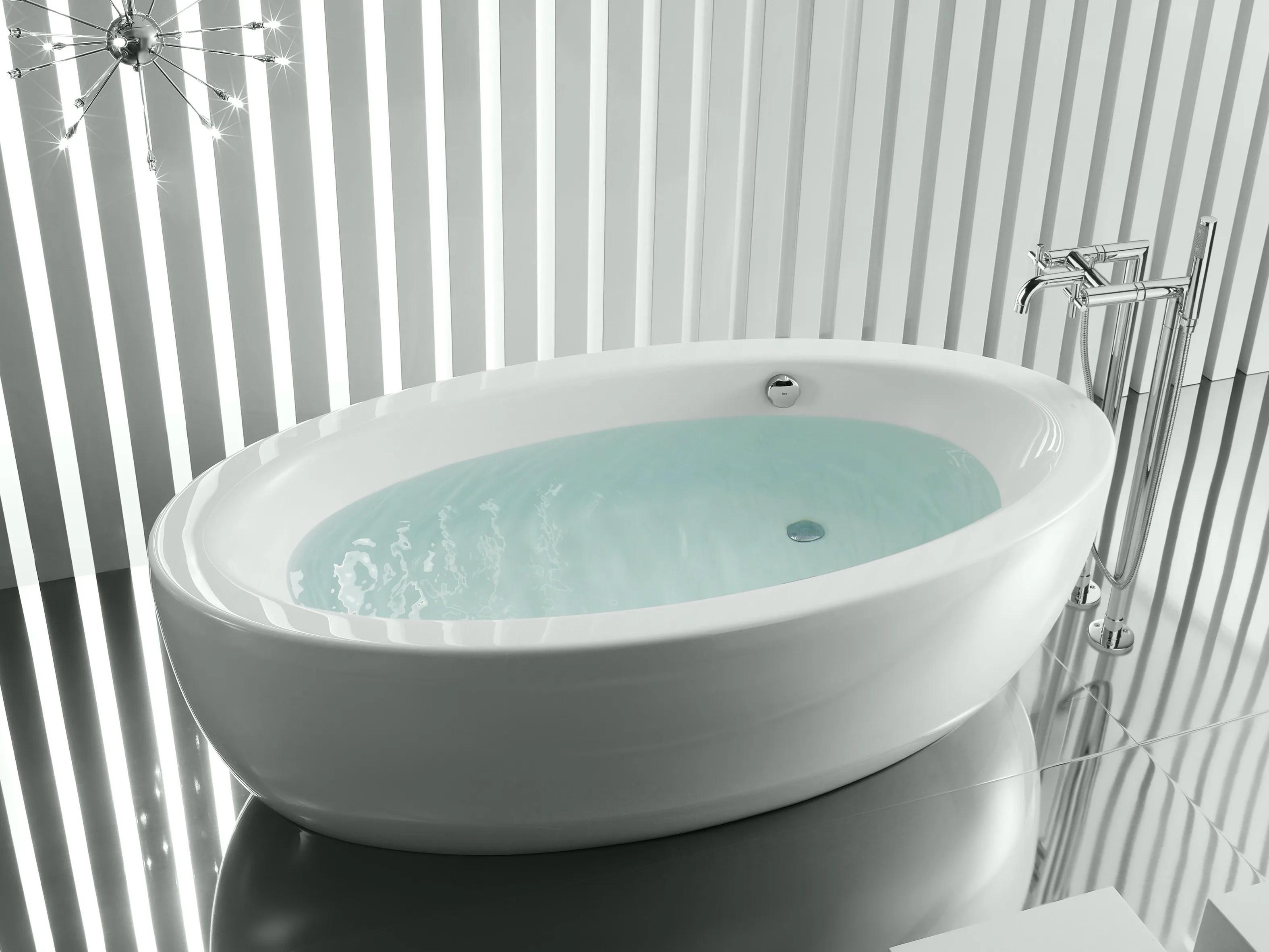 Freestanding Oval Bathtub GEORGIA By ROCA