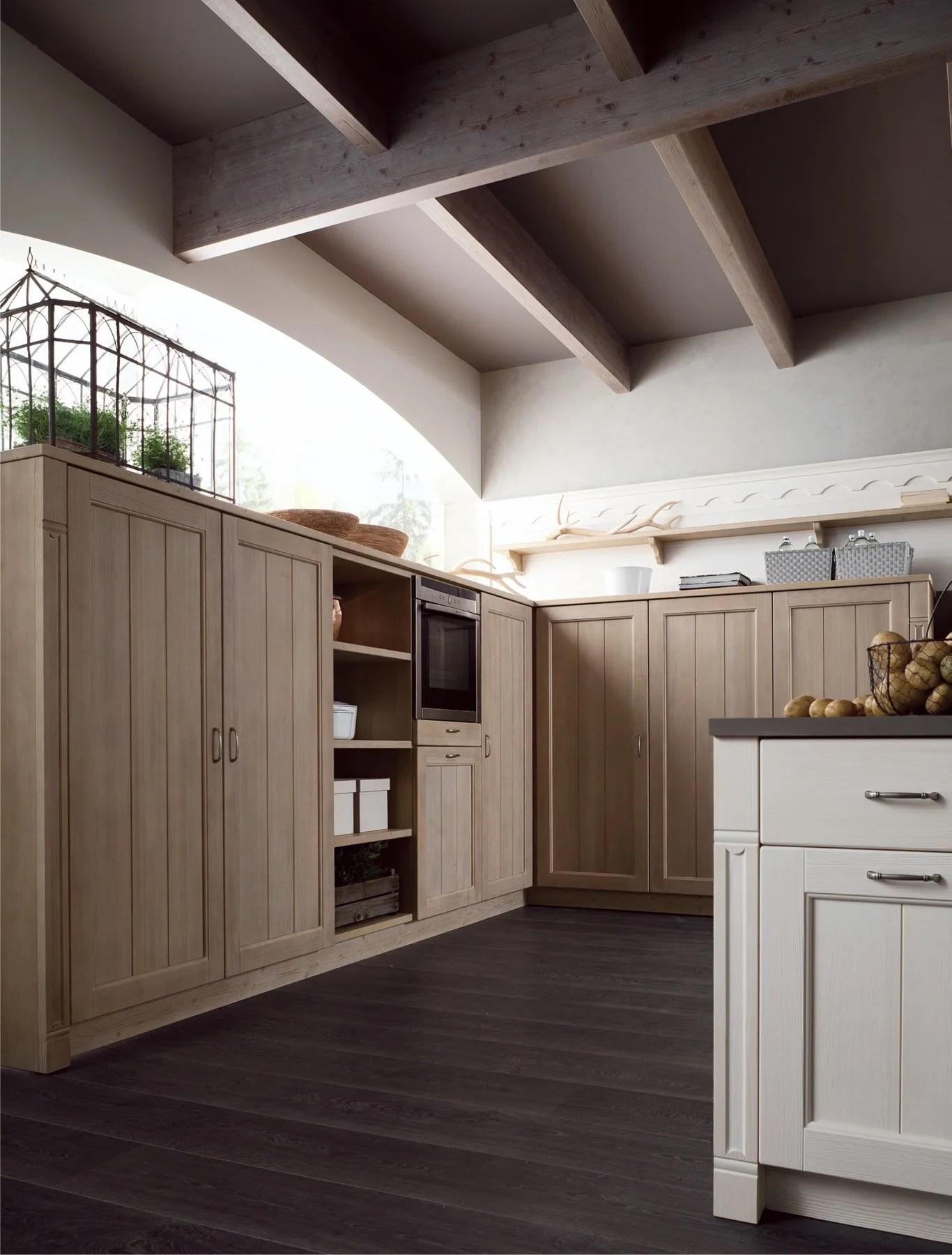 Cucina in stile rustico con penisola TABI T01 by Scandola