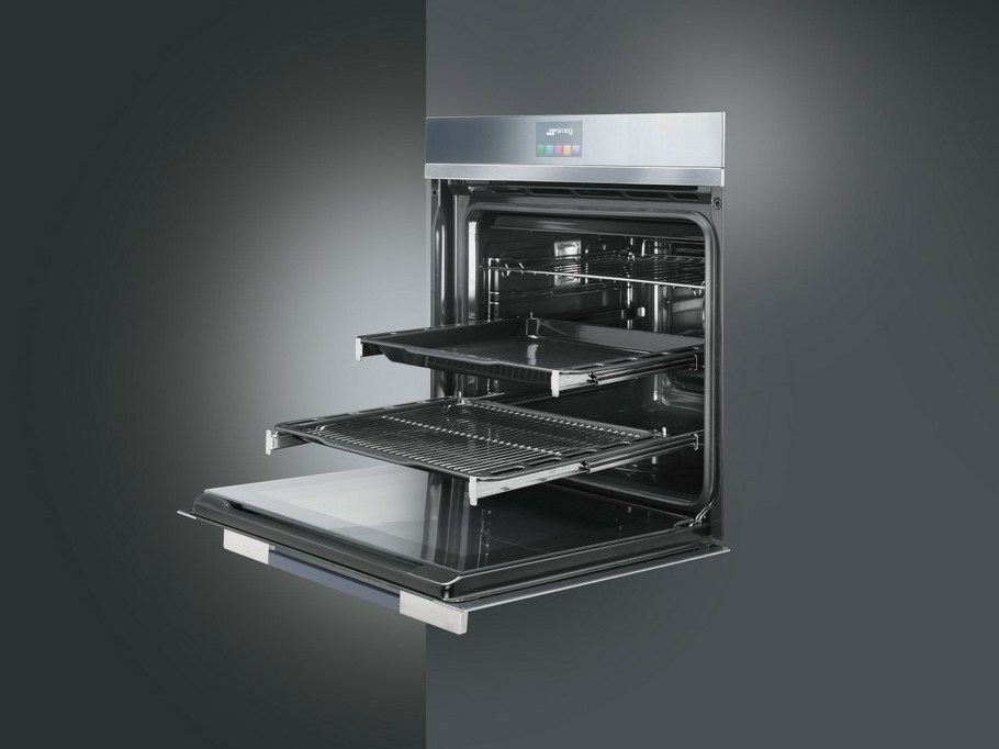 SFP140 Touch screen oven by Smeg