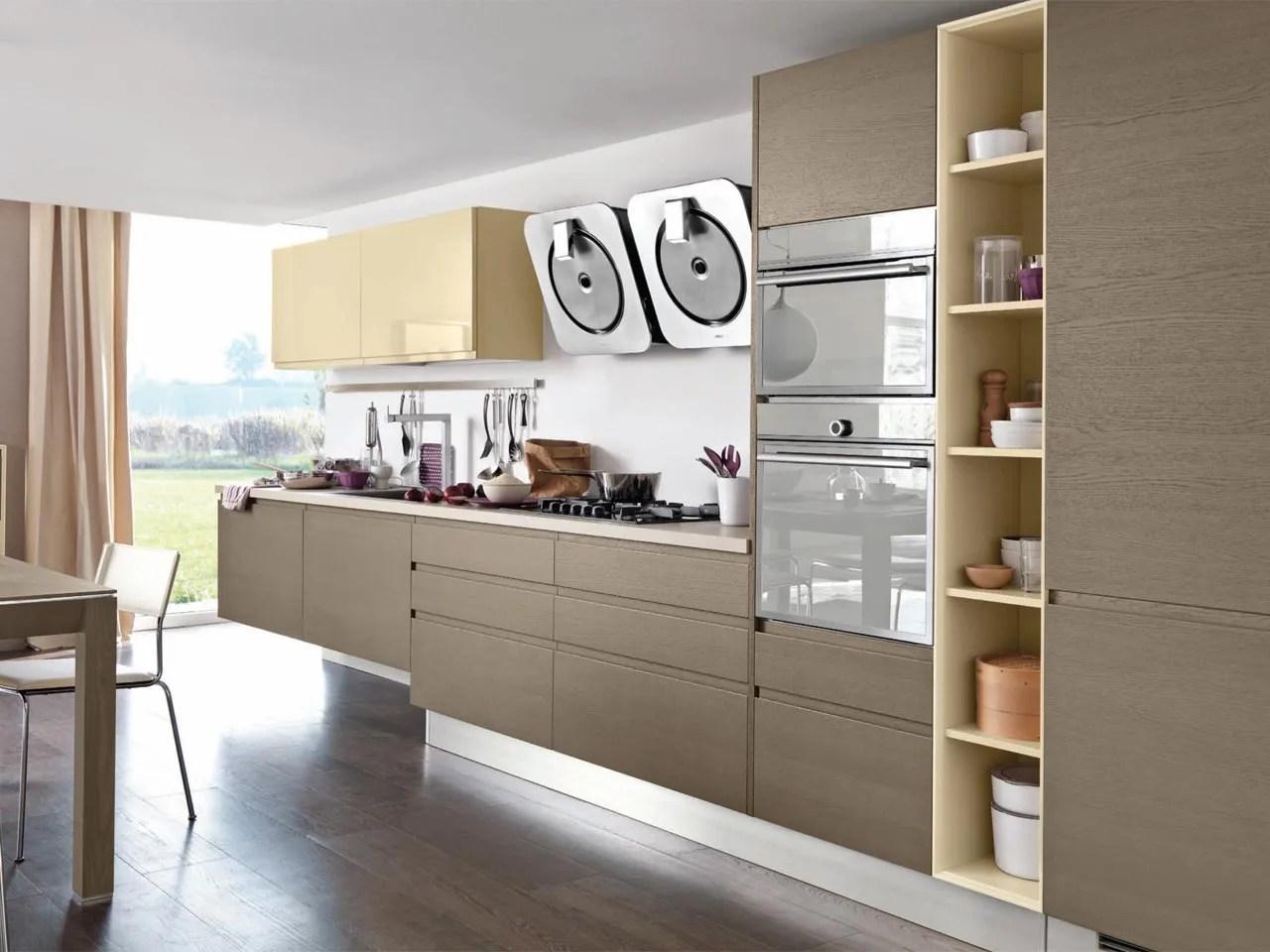LINDA Cucina in legno by Cucine Lube