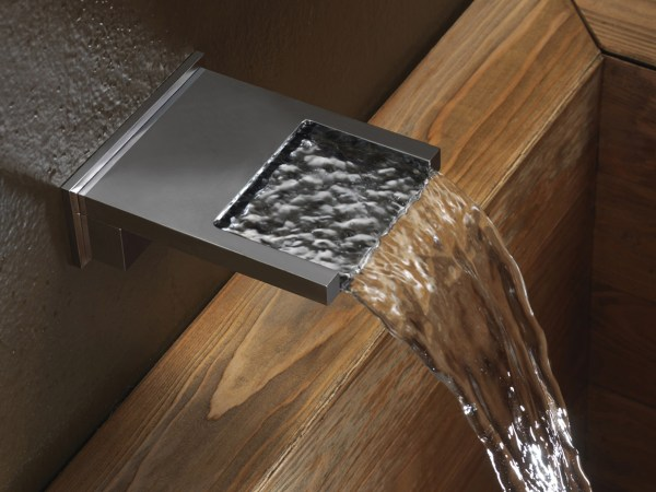 Chrome-plated Wall-mounted Waterfall Spout Bocca Cascata