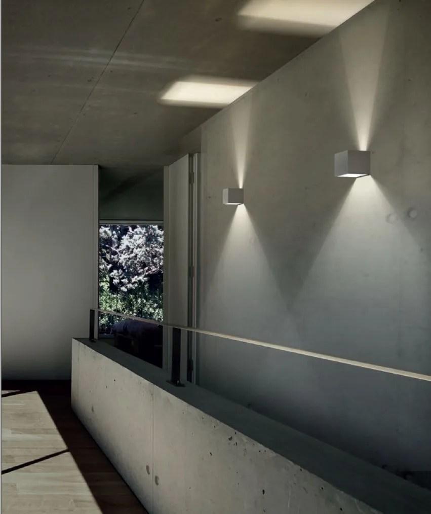 Lampada da parete a LED a luce diretta e indiretta DRACO