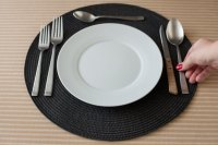 How to Set a Table With Steak Knives (with Pictures)   eHow