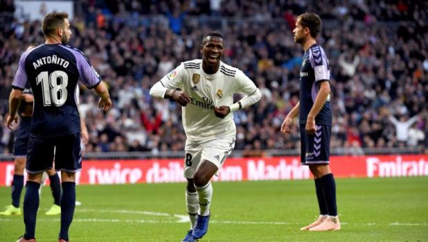 Real Madrid defeated Valladolid 2-0, Vinícius Junior with his own goal