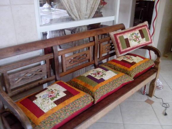 Almofadas para bancos de madeira no Elo7  De Bem Arte
