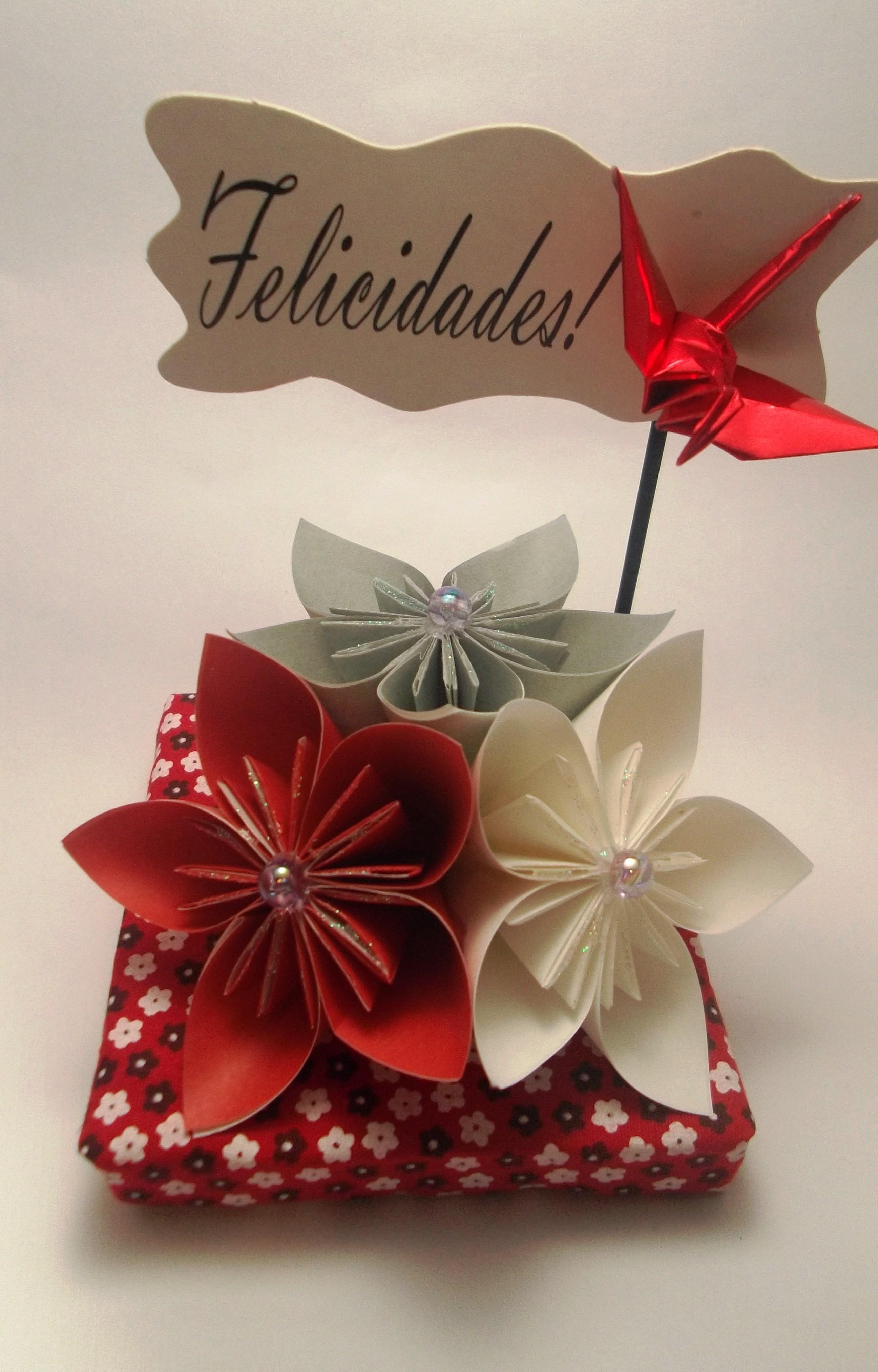 Enfeite de mesa flores e felicidades  Art Omura  Elo7