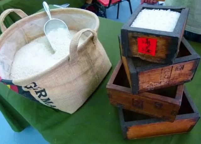 強調每顆米粒都是實實在在種出來的池上米。