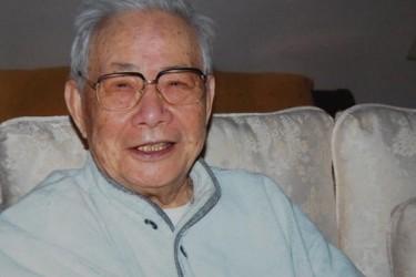 元新華社香港支社長・許家屯氏の遺灰 故郷へ埋葬 生前帰郷の夢果たせず