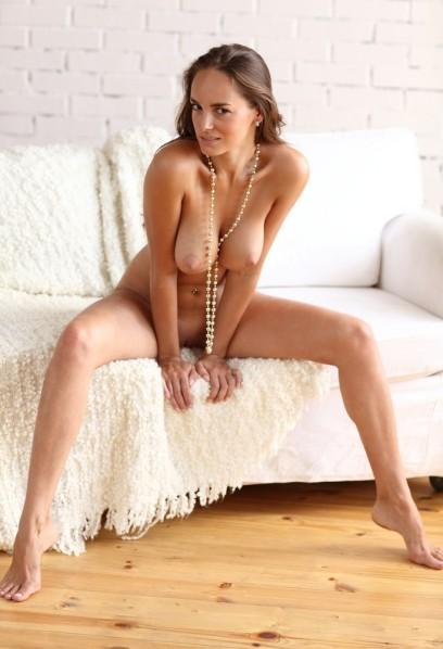 Jeune Femme De 30 Ans - Porno @ RueNu.com