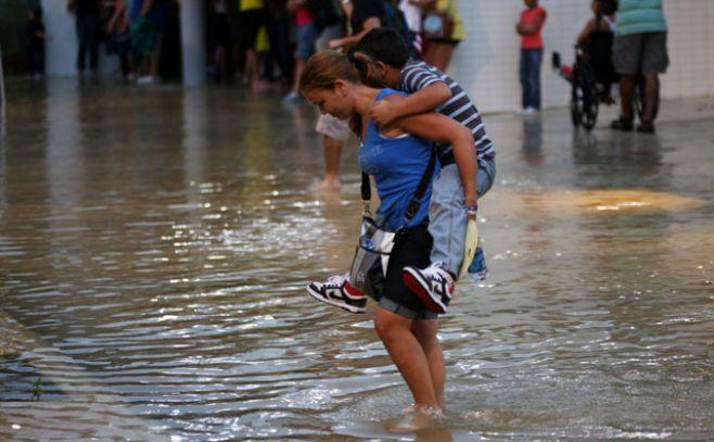 Resultado de imagen para Alerta por lluvias en Puerto Rico que pueden agravar situación tras huracán.