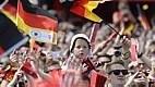 Jogadores alemães são recepcionados por mais de 500 mil pessoas na cidade de Berlim. Foi montado um palco de 30 metros, em frente ao Portão de Brandemburgo.