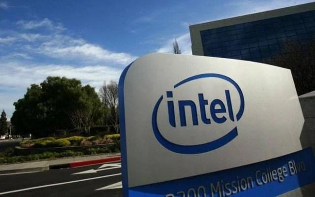 Desenvolvedores descobriram uma falha nos chips da Intel que deixa computadores vulneráveis.