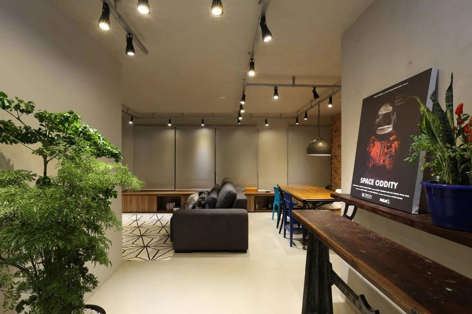 Apartamento com planta flexvel ganha estilo industrial