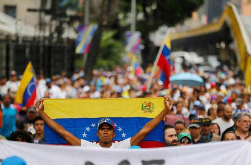Manifestantes marcham contra Maduro na Venezuela