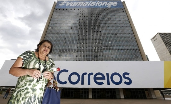 Ângela Maria, que contribui desde 1981 com o fundo de pensão Postalis, dos Correios