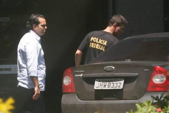 O ex-chefe do Gabinete do senador Delcídio Amaral (sem partido-MS),Diogo Ferreira Rodrigues,ao ser preso pela Operação Lava Jato