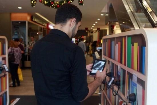 Paulista. Empresa sai do ambiente virtual para mostrar o leitor digita