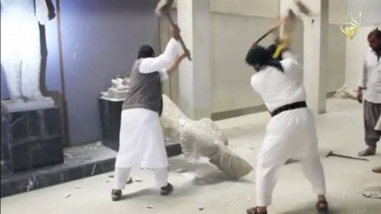 Radicais destroem estátuas do séc. 7º a.C.