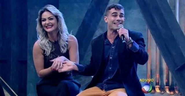 Laura Keller e Jorge Souza venceram a primeira edição do reality show 'Power Couple Brasil'