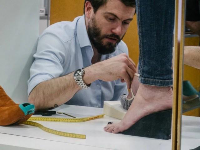 Vinicius Dapper começou a desenhar sapatos com 12 anos